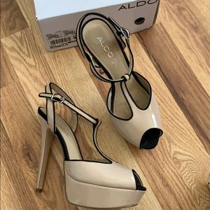 Aldo Nude peep toe t-strap platform heels